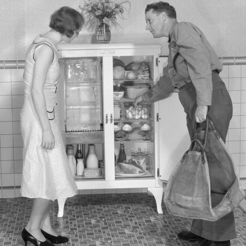 1920s ice box.jpg