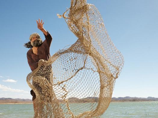 throwing-fishing-net