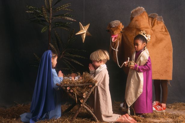 0_Diverse-children-acting-in-nativity-scene.jpg