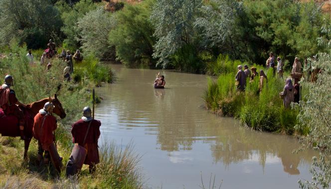john-baptizing-woman-river-jordan-958646-gallery.jpg